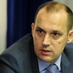 Министар Лончар да поднесе оставку
