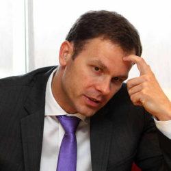 Покрет за преокрет тражи хитну смену градоначелника Београда Синише Малог