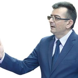 Веселиновић: На последњој смо линији одбране демократије, правде али и живота