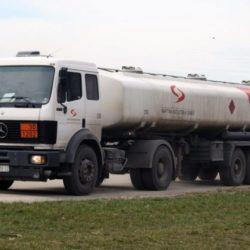 """GERILA : SNS-ovci """"na crno"""" prodaju naftu poljoprivrednicima, po cisterni uzmu više od MILION dinara!"""