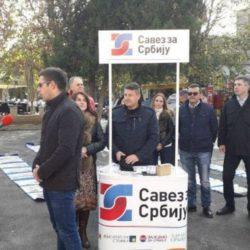 """DANAS: Održana izložba """"Šest godina propadanja"""" u Lučanima"""