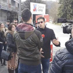 """Изложба Савеза за Србију """"Шест година пропадања"""" у Лучанима"""