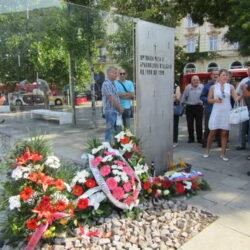 Ко је порушио споменик жртвама рата и браниоцима отаџбине 1991 – 1999 на Савском тргу?